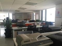 青岛市北商务区 诺德广场 精装办公室出租 隔断全套家具随时看
