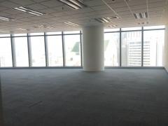市南 五四广场高端写字楼 精装大通间 停车方便