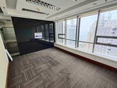 市南南京路 高区南向精装办公室 电梯口 全包价