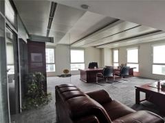 崂山区 大荣中心313平精装修办公室 随时看房