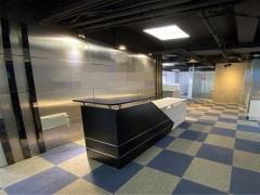 国华大厦   精装 方正 带家具  地铁口位置 现房直租