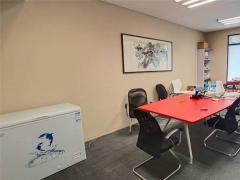香港中路颐和国际 南向精装办公室出租 地铁之上