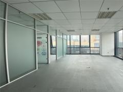 市北卓越大厦 92平精装带隔断办公室 临地铁交通便利