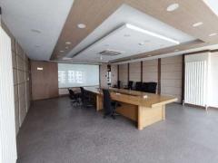 中商国际大厦 外资遗留装修带家具 电梯口展示性好