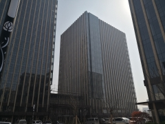 青岛广场60平2.5丨大开间带隔断丨西南向财富角丨随时看
