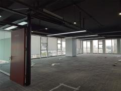 市北CBD中铁青岛广场288平双面采光 地铁口办公室出租